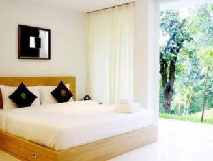 The Trees Club Resort Phuket - soba za goste