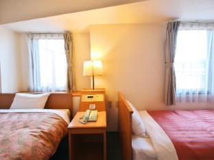 Sakura Hotel Hatagaya Tokyo - Triple room