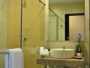 Le Platinum Hotel Bangkok - Bathroom