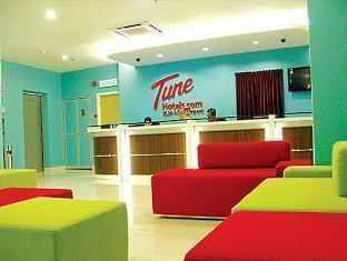 Tune Hotel - LCCT Kuala Lumpur - Kaunter Tetamu