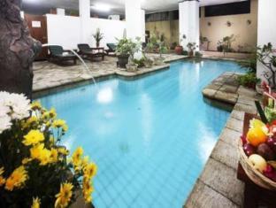 Hotel Ratna Bali - Swimming Pool