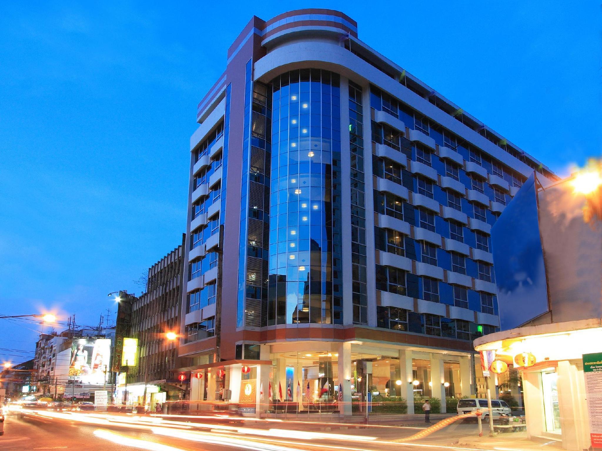 Golden Crown Plaza Hotel