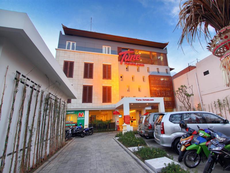 Tune Hotels – Kuta, Bali बाली