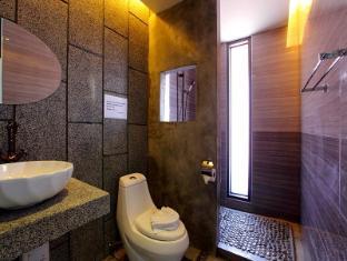 蘇林特拉飯店 普吉島 - 衛浴間