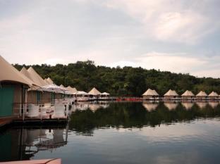 4 Rivers Floating Lodge Koh Kong - Natural swimming pool