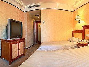 Power Hotel - Room type photo