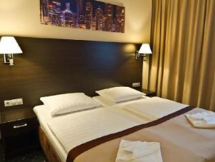 Ivbergs Hotel Premium Berlin - Guest Room