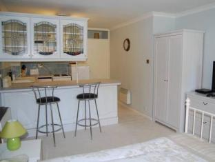 Cleveland Apartment Newbury - Suite Room