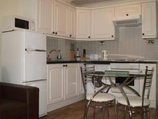 Cleveland Apartment Newbury - Interior