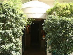 Hotel St. Thomas D'Aquin Paris - Entrance
