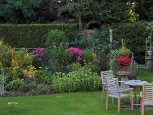 Beech House Hotel Reading - Garden
