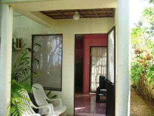 Dona Marta Boutique Hotel Hinunangan - Rose Room Private Patio