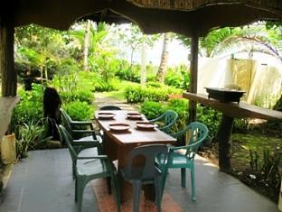 Dona Marta Boutique Hotel Hinunangan - Breakfast Gazebo