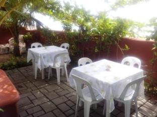 Dona Marta Boutique Hotel Hinunangan - Beach front Breakfast Nook