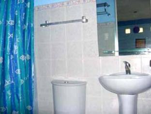 Dona Marta Boutique Hotel Hinunangan - Bathroom