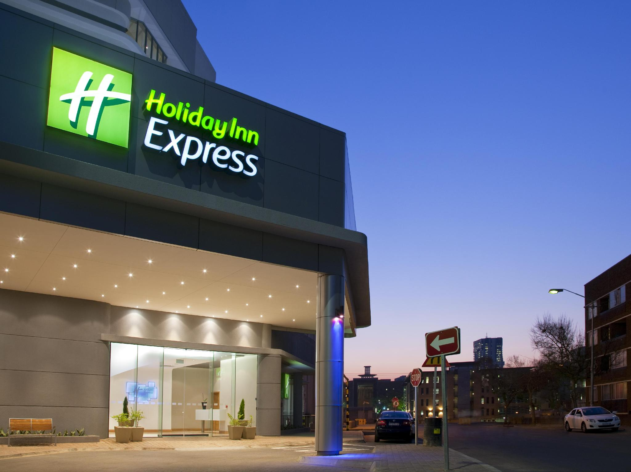 Holiday Inn Express Pretoria Sunnypark - Hotels and Accommodation in South Africa, Africa