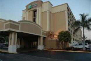Holiday Inn Express Cape Coral Fort Myers Area Hotel