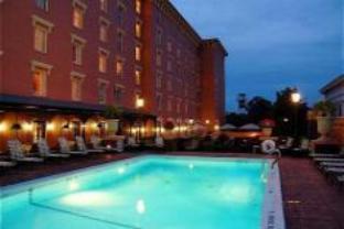Holiday Inn Charleston Mills House Hotel