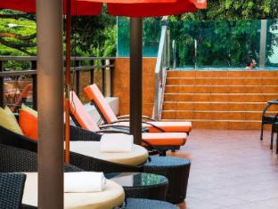 Nostalgia Hotel סינגפור - בריכת שחיה