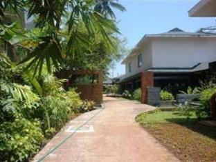 The O Resort and Spa North Goa - Walkway