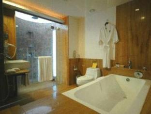 The O Resort and Spa North Goa - Hot Tub