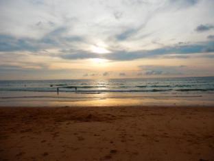 Kata Beach Studio Phuket - Beach