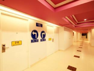 Bella Express Hotel Pattaya - Hallway