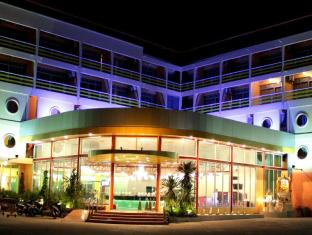 Bella Express Hotel Pattaya - Front Building