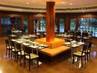 Citrus Sriperumbudur Hotel Chennai - Poolside Bar