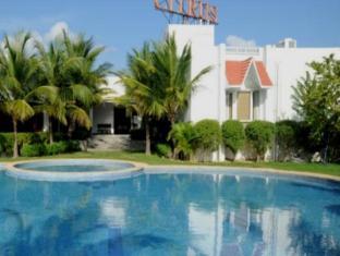 Citrus Sriperumbudur Hotel Chennai - Swimming Pool
