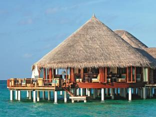 Constance Halaveli Maldives Islands - Food, drink and entertainment