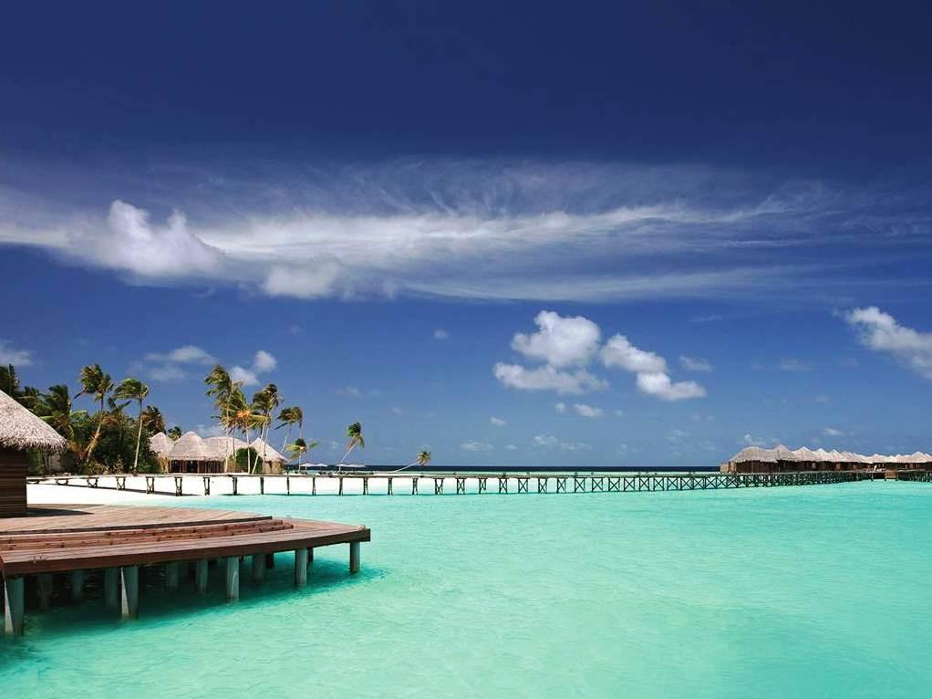 Constance Halaveli Resort Maldives Islands - Beach View