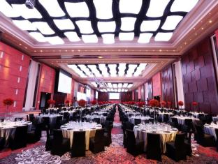 Marriott Hotel Manila Manila - The main ballroom boasts of 3,000 sqm of pillarless venue that can easily accommodate 4,000 guests for cocktails and 2,500 for banquet set-up.