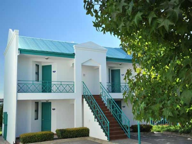 Protea Hotel Samrand - Hotels and Accommodation in South Africa, Africa