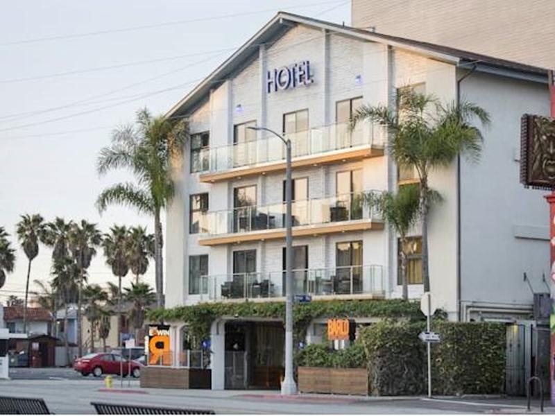 โรงแรมเออร์วิน