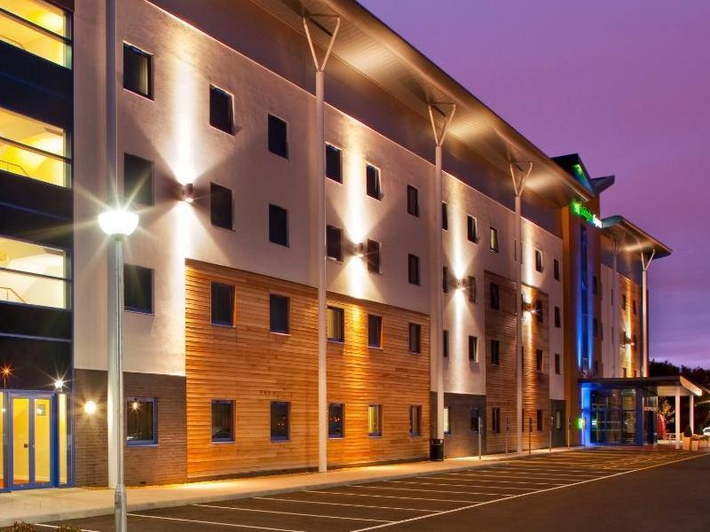 Holiday Inn Express Kettering Kettering