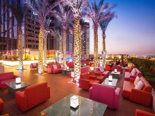 Media One Hotel Dubai - Food, drink and entertainment