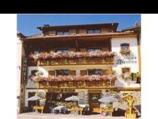 Logis Les Airelles Rest. Le Savoie Hotel
