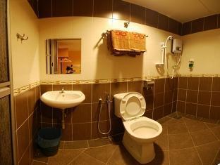 Hotel Ninety Six Taman Mutiara Malacca / Melaka - Bathroom