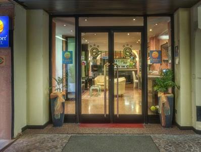 Comfort Hotel Europa Genova City Center Genoa - Entrance