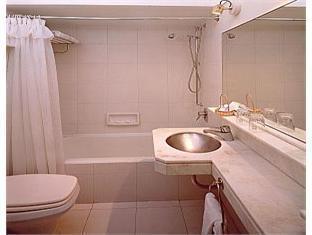 Gran Hotel DorA Buenos Aires - Bathroom