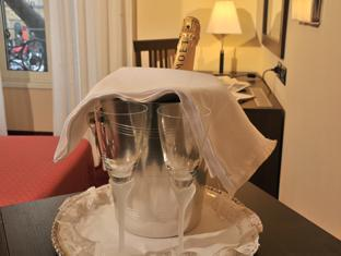 Hotel Versailles Rome - Sparkling wine or champagne on request