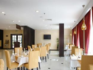 London Suites Hotel Dubai - Food, drink and entertainment