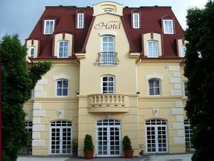 Walzer Hotel & Restaurant