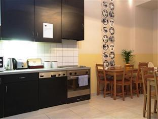 Maverick Hostel and Ensuites Budapest - Kitchen
