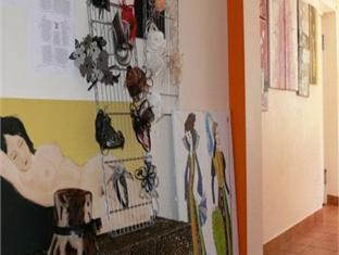 Villa Artis Guest House פרנו - חנויות