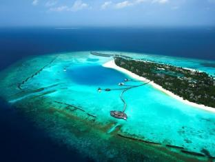The Sun Siyam Iru Fushi Luxury Resort Maldives Islands - Resort island view from the seaplane