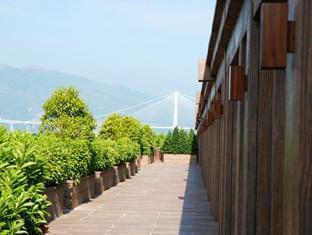 Noah's Ark Resort Hong Kong - Balcony/Terrace