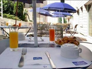 Pavillon Italie Paris - Breakfast on the Terrace