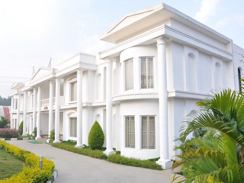 Confident Cascade Hotel - Hotell och Boende i Indien i Bengaluru / Bangalore